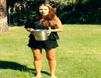 Paula Echevarría cumple con el reto Ice Bucket Challenge