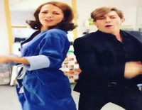 Paula Echevarría y Adrián Lastra cantan y bailan 'Me arrepiento' de David Bustamante