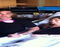 Robbie Williams retransmite en directo el nacimiento de su segundo hijo