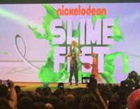 Pilar Rubio se pringa de moco verde en el Slime Fest 2015
