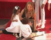 Mariah Carey recibe su estrella en el Paseo de la Fama de Hollywood con sus hijos