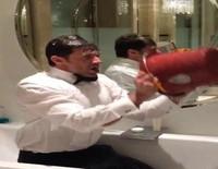 Hugh Jackman se enfrenta al Ice Bucket Challenge