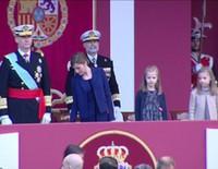 Los Reyes, la Princesa Leonor y la Infanta Sofía en el Día de la Hispanidad 2015