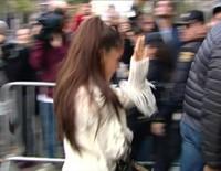 Ariana Grande visita Madrid para presentar su bolso diseñado en colaboración con Coach