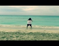 David Bustamante corre para salvar a su hija Daniella en sus vacaciones caribeñas