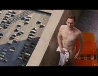 Tom Hiddleston presume de cuerpazo en su último filme 'High-Rise'