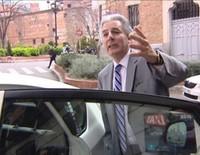 Álvaro Vargas Llosa se queda mudo tras la fiesta de cumpleaños de su padre