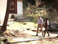 El Príncipe Guillermo y Kate Middleton visitan el Monasterio Taktshang de Bhutan