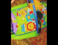 Jaime Cantizano se choca con los juguetes de su hijo Leo