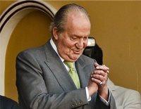 La vida del Rey Juan Carlos entre su abdicación y su retirada total: entre escándalos, actos oficiales y diversión